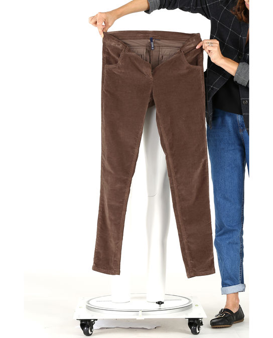 Woolrich Damen Velvet Pant Brown Cigar
